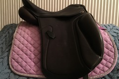 Selling: HDR Dressage Saddle 16.5""