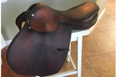 Selling: Close Contact Whitman Hunter Jumper Saddle 16.5""