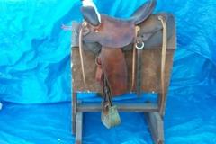 Selling: 1950's Rancher Saddle 15""