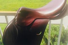 Selling:  Ainsley Eventing Saddle 17.5""
