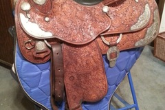 Selling: Phil Harris Show Saddle 16""