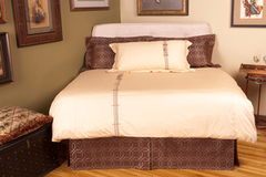 "Selling: Ludington Queen Duvet 92""x88"""