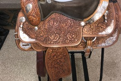 Selling: Western Pleasure Show Saddle 16.5""