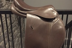 Selling: Tekna English Saddle 16.5""