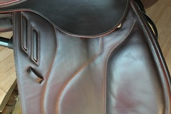 Selling: Devoucoux Biarritz Lab Saddle 18""