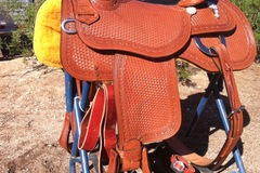 Selling: Dale Chavez Reining Saddle 15""