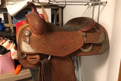 Selling: Bobs Reining Saddle 16.5""