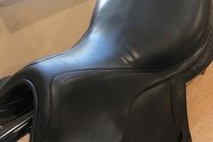 """Selling: CWD 2016 Dressage Saddle 17"""""""