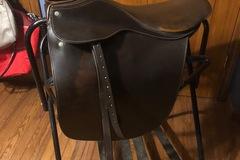 "Selling: Lovett and Ricketts Cutback Saddle Seat Saddle 21"""