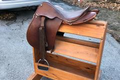Selling: Sickles English Saddle