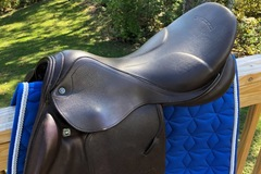 Selling: Stubben Zaria S Saddle 18""