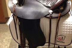 Selling: Schleese Trail Saddle 16""