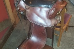 Selling: Imus 4 Beat Gaited Saddle 15""