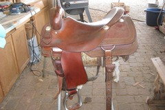 Selling: RooHide Cutter Saddle 17""