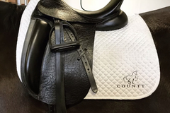 "Selling: County Fusion Saddle 17.5"" M"