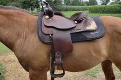 "Selling: Hereford Tex Tan Western Saddle 15"""
