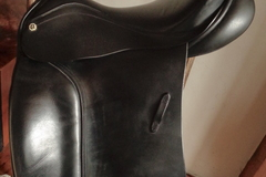 Selling: Barnsby N-Gage Dressage Saddle 18""