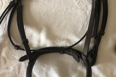 Selling: Brand New Bridle and Reins