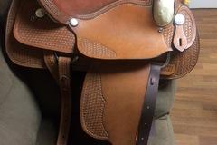 """Selling: Dakota Western Saddle 17"""""""