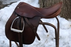 Selling: Stubben Close Contact Saddle 17.5""
