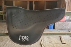 Selling: Tucker Saddle Pad by Cavallo