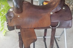 Selling: Sabine River Saddlery Cutting Saddle 17""