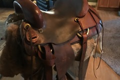"""Selling: Bowie Cutting Saddle 16"""""""
