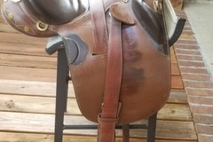 Selling: Kimberley Series Stock Saddle 18""