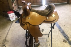Selling: OrthoFlex Cyclone Barrel Saddle 15""