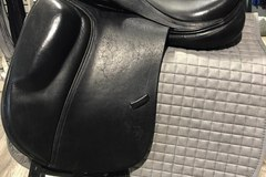 "Selling: Verhan Odyssey One 2010 Dressage Saddle 18"" Semi-Adjustable"