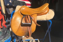 Selling: Beval Saddle 16""