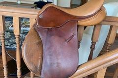 """Selling: Pessoa Saddle 16.5"""""""