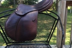 Selling: 2013 Calgary Voltaire Jump Saddle 18""