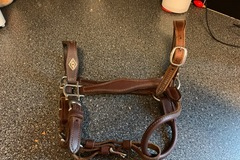 Selling: Leather Show Halter