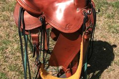 Selling: Synergist Western Trail Saddle Great Shape 15""