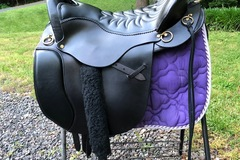 Selling: Tucker Equitation Endurance Saddle 17.5""