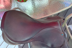 """Selling: Stubben Edelweiss Deluxe Saddle 29cm Gullet 17.5"""""""