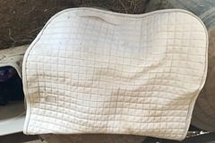 Selling: White Quilted Square Pad