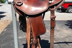 "Selling: Dave Genedek Custom Trail Saddle 15"""