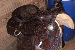 Selling: Kids barrel saddle 15.5""