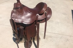 Selling: Western Saddle 15""