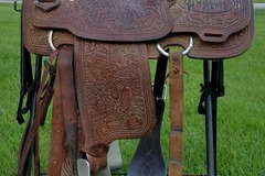 Selling: Todd Salone custom made Allen Bach Team roping saddle - 15""