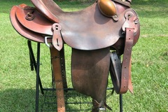 Selling: McCall Western Saddle 16.5""