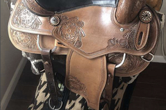 Selling: Montana Saddlery Western Saddle 16""