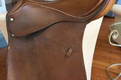 Selling: Passier Dressage Saddle w stirrips & leathers 17.5""