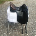 """Selling: Custom dressage saddle excellent condition 18"""""""
