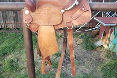 Selling: Billy Cook Barrel Saddle 15""