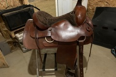 Selling: Carl Sanders Trail Saddle - Will Trade