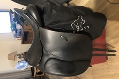 Selling: County Dressage Saddle NEW 17.5