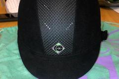 Selling: Charles Owen Ayr8 Helmet Size 7